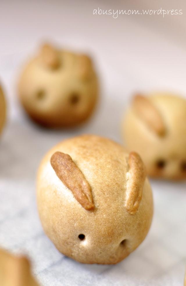 Bunny mooncake