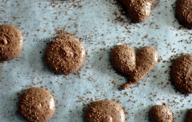chocolate macaron 01