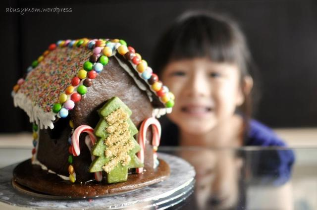 Gingerbreadhouse_01